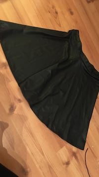 Women's black skater skirt Moncton, E1A