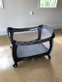 Graco port-a-crib with pack-n-play Chatsworth, 30705