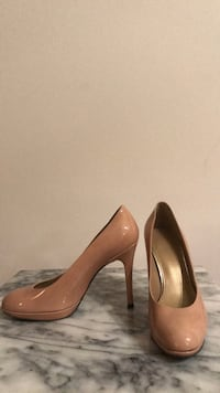 Stuart Weitzman patent leather nude pumps Toronto, M6J 2M3