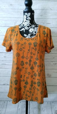 Beautiful LulaRoe Shirt , size S .. Frederick