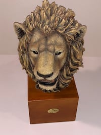 Gray Rock Collection Full lions head sculpture on wood block Niceville, 32578