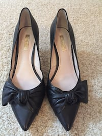 Louise et Cie pointed-toe leather heels Pickering, L1X 1B3