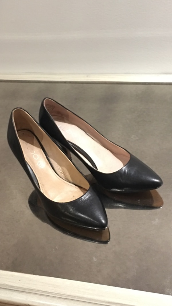 Leather Aldo pumps size 7