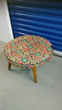 Tapestry table for sale round multicolored Hyattsville, 20784