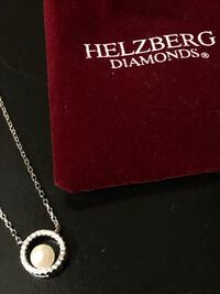 Brand new Helzberg necklace Cantonment, 32533