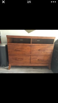Solid wood dresser set  Woodbridge, 22191