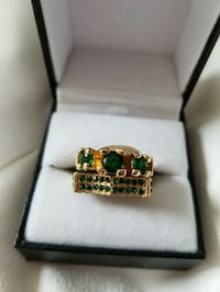 Size 6.5 Emerald style Goldtone Wedding Set rings Waldorf, 20603
