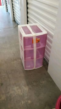 pink and white plastic 3-drawer chest 416 mi
