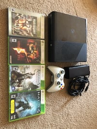 Xbox 360 slim E 250gb bundle Edmonton, T5T 2K4