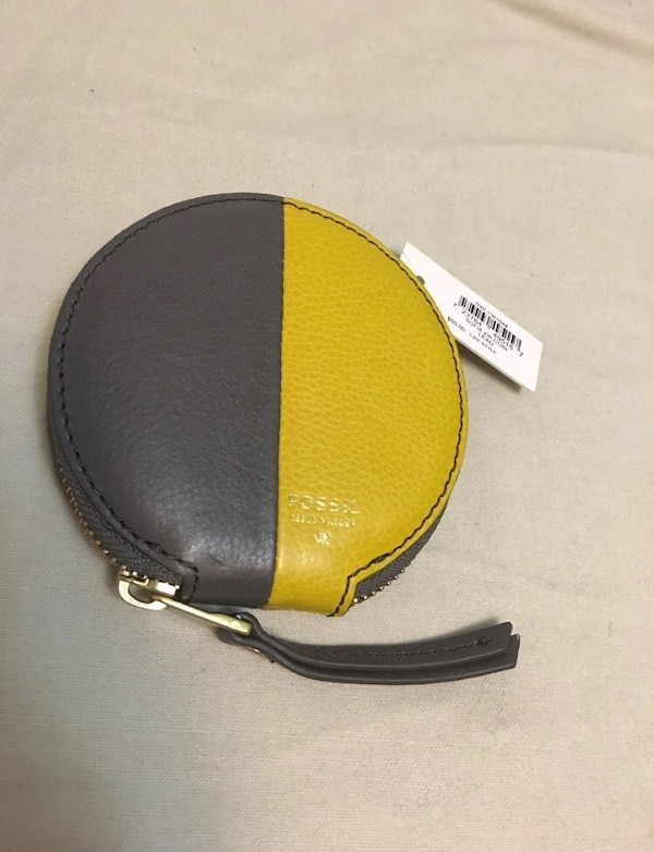 Fossil Sofia Zip Coin Lead Gray and Yellow Color