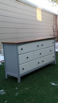 white and gray wooden lowboy dresser