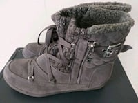 Guess womens boots - never worn Essex, 21221