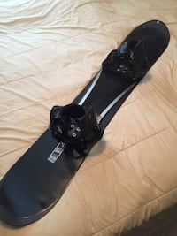 black and white snowboard with bindings Akron, 44307