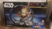 Star Wars Death Star Hot Wheels carships racetrack Mississauga, L5A 1A8