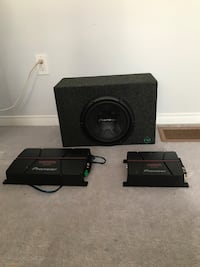Black kicker subwoofer with enclosure Guelph, N1L 0H5