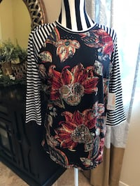 Brand New With Tag! Super Cute LulaRoe Randy Shirt Size Large Las Vegas, 89148