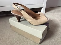pair of white leather peep-toe pumps with box Whitby, L1P 1N8