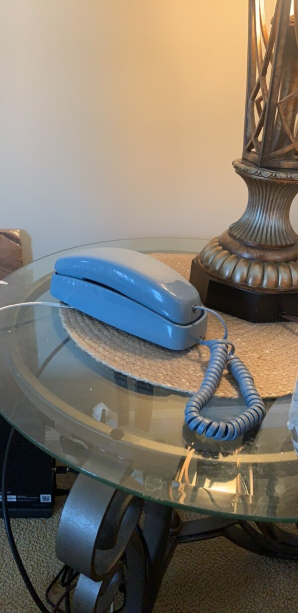 Vintage touch tone telephone with light up dial in good working condition