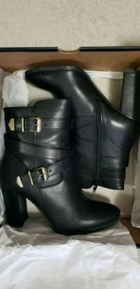 LEATHER BOOTIES (SIZE 7) Edmonton