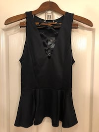 New GUESS peplum top North Vancouver, V7M 3C2
