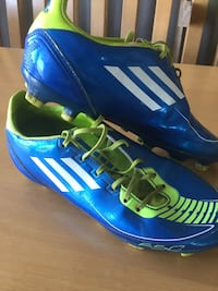 Soccer Shoes - Adidas F30. Size 4.5 Richmond Hill, L4C 5L4
