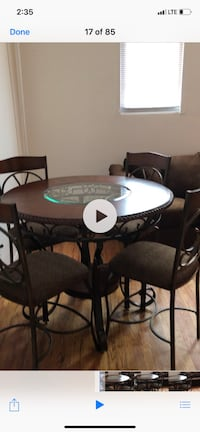 Round counter height table w/4 bar stools  New York, 11226