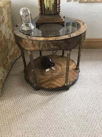 Brown wooden framed glass top coffee table Elmwood Park, 60707