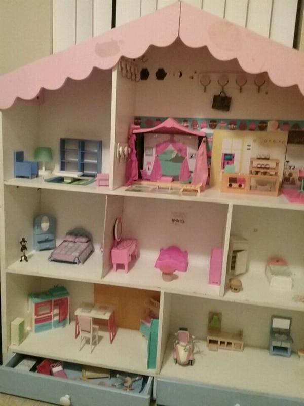 Used White And Pink Wooden Dollhouse For Sale In Escondido Letgo