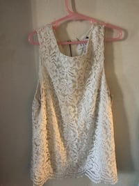 white lace scoop-neck sleeveless top
