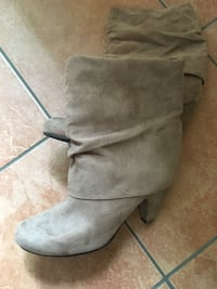 pair of gray suede boots Lake Country, V4V 1G1