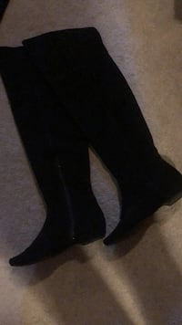 Black Suede (over the knee)Sz 8 Smith-Ennismore-Lakefield, K0L