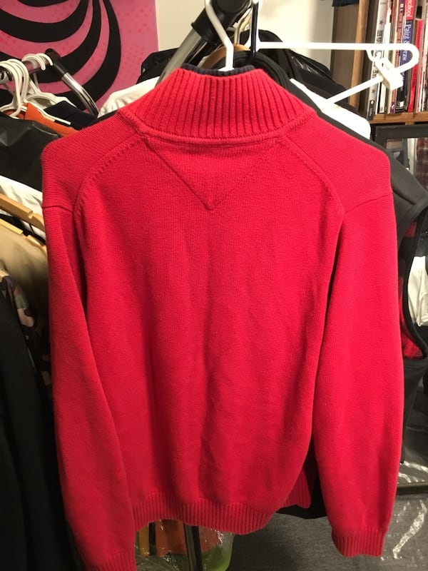 Tommy Hilfiger sweater 2