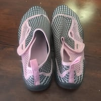 Pair of pink-and-white ware shoes Ellisville, 63021