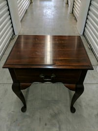 Traditional End Table Elsmere, 19805
