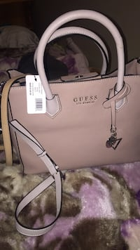 Brand new guess purse Calgary, T2B 1V1