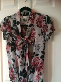 white, red, and green floral blouse Québec, G2G 2N3