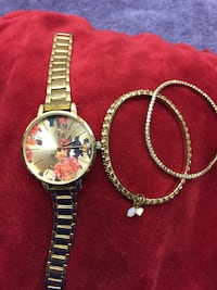 Rose colored watch with flowers with two stretch stoned bracelets.  Watch does work. Excellent condition. Fortune NYC JAPAN MOVT   Greenville, 29617