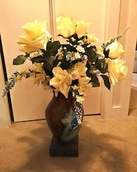 Vase with flowers 3750 km