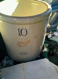 vintage 10 gallon Red Wing Crock Abbotsford