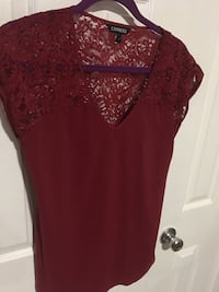 Estate sell size Med tops 6.00 each Harpers Ferry, 25425