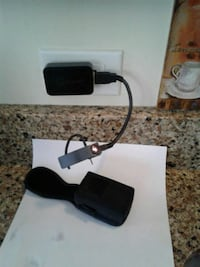 bluetooth earbud and charger w case Arlington Heights, 60004