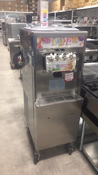 Taylor 791-33 Soft Serve Machine 2 flavours and a twist (3 heads) $8,900 USED  Toronto, M1P 2L4