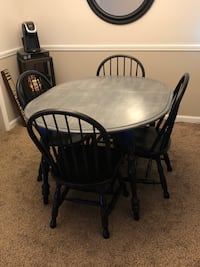 Dining Table with Four Chairs Nashville, 37204