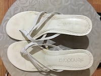 pair of white leather sandals Loudon, 37774