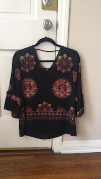 black and red floral long-sleeved shirt Los Angeles, 90020