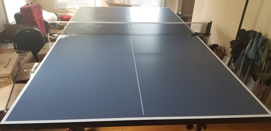 Pingpong table with paddles and balls 6a181ee3-05df-47cf-9890-e95254820dd8