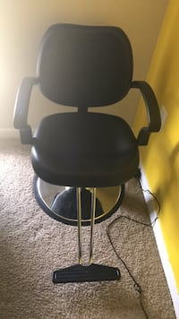 black and gray swivel chair Oxon Hill, 20745