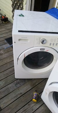 white front-load clothes washer 479 mi