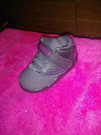TODDLER SIZE 8 PINK AND BLACK JORDANS Glen Burnie, 21061