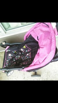 pink and black car seat carier  Triangle, 22172